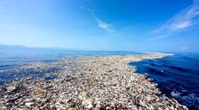 Ilha-de-plástico-foto-BBC
